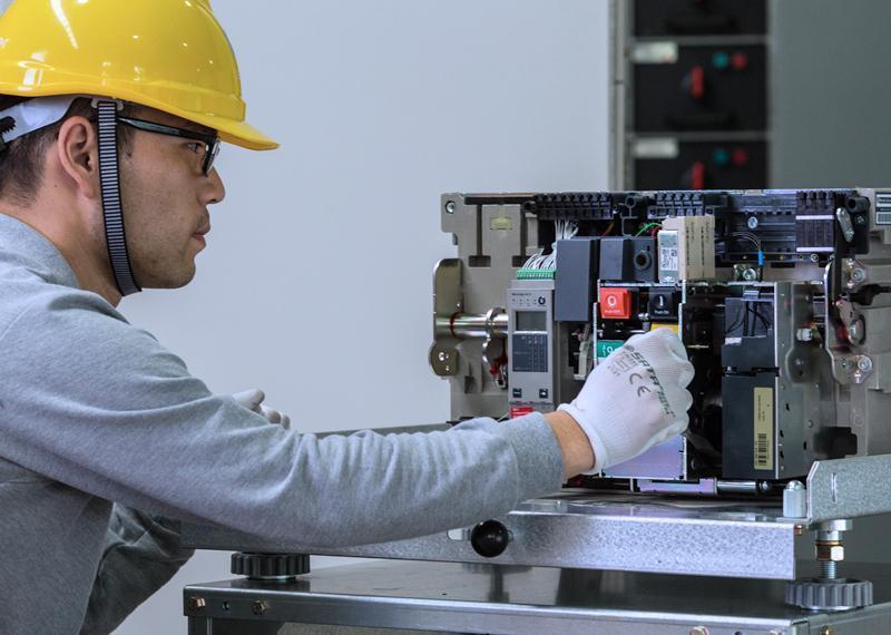 低压框架断路器_电气安全维保检修
